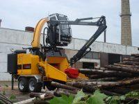 Foretec.lt - FORETEC INVESTICINĖ GRUPĖ - Tiekiame įvairią, miško transportavimui ir perdirbimui skirtą techniką: Skandinaviškus miškovežius,specialius miškovežinius antstatus sunkvežimiams,hidraulinius krautuvus- manipuliatorius,priekabas ir puspriekabes,medienos smulkintuvusi,skiedrovežines priekabas,atsargines dalis europe chippers EUROPE CHIPPERS – medienos smulkintuvai DSC02559 200x150