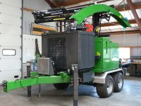 Foretec.lt - FORETEC INVESTICINĖ GRUPĖ - Tiekiame įvairią, miško transportavimui ir perdirbimui skirtą techniką: Skandinaviškus miškovežius,specialius miškovežinius antstatus sunkvežimiams,hidraulinius krautuvus- manipuliatorius,priekabas ir puspriekabes,medienos smulkintuvusi,skiedrovežines priekabas,atsargines dalis europe chippers EUROPE CHIPPERS – medienos smulkintuvai EC C1060i 200x150