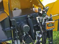 Foretec.lt - FORETEC INVESTICINĖ GRUPĖ - Tiekiame įvairią, miško transportavimui ir perdirbimui skirtą techniką: Skandinaviškus miškovežius,specialius miškovežinius antstatus sunkvežimiams,hidraulinius krautuvus- manipuliatorius,priekabas ir puspriekabes,medienos smulkintuvusi,skiedrovežines priekabas,atsargines dalis europe chippers EUROPE CHIPPERS – medienos smulkintuvai dc285 foto2 200x150